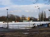 Boczne boisko pod śniegiem